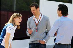 (Von links nach rechts): Susie Wolff, Williams-Entwicklungsfahrerin, mit Alexander Wurz, Williams-Fa