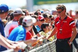 Graeme Lowdon, Manor F1 Team Director Ejecutivo con los fans