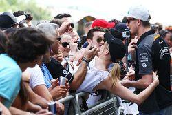 Nico Hulkenberg, Sahara Force India F1 con sus fans
