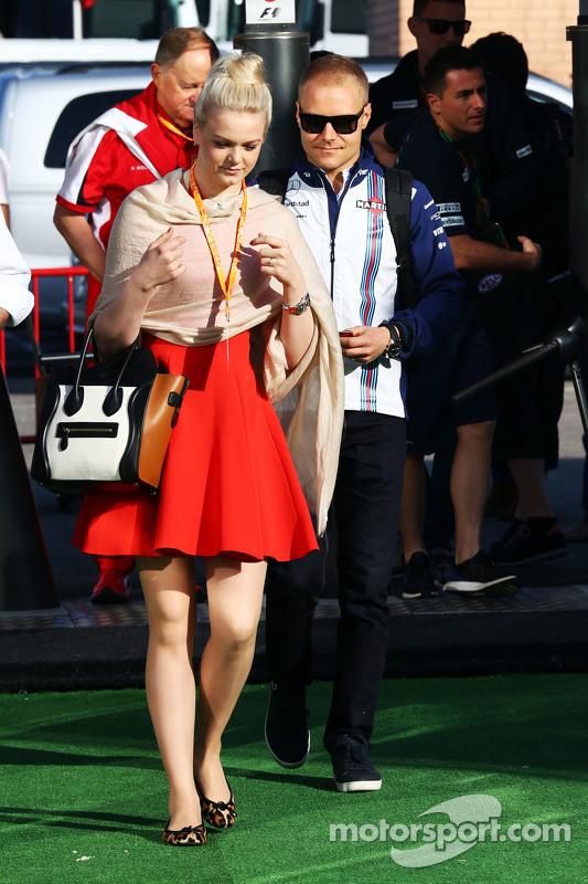 Valtteri Bottas, Williams ve kız arkadaşı Emilia Pikkarainen (FIN)