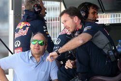 Кристиан Хорнер, спортивный директор Red Bull Racing, и Герхард Бергер