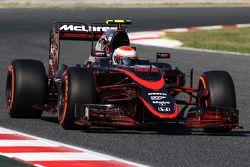 Jenson Button, McLaren MP4-30 corre flujo sobre el alerón