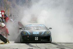 Feu dans les stands pour la Corsa GT Motorsports Ferrari F430 n°62 : Steve Pruitt, Cort Wagner, Alex