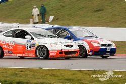 Nick Esayian (#34 Acura RSX), Jeff Nowicki (#84 Ford Focus)