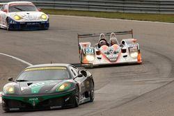 #61 Risi Competizione Ferrari 430 GT Berlinetta: Toni Vliander, Maurizio Mediani;#37 Intersport Raci