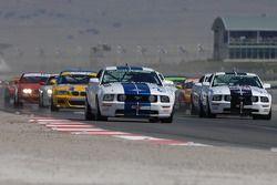 Départ : La Mustang GT n°2 du Blackforest Motorsports Mustang : Darren Law, Terry Borcheller en tête