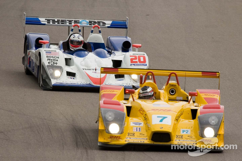 Porsche RS Spyder n°7 du Penske Motorsport : Lucas Luhr, Romain Dumas; Lola B06/10 AER du Dyson Raci