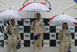 Le podium: Simona De Silvestro, Reed Stevens et Matt Lee