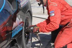 Changement de pneus pour la Ferrari F430 CH: Steve Pruitt, Cort Wagner, Alex Quaid