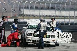 Arrêt aux stands pour la Mustang GT n°184 ZRP Racing : Keith Rossberg, Dan McKeever