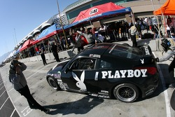 Pitstop for #35 Playboy Racing Nissan 350Z: Tommy Constantine, Mike Borkowski