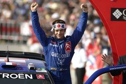 Sébastien Loeb fête sa victoire