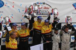 LM P2 podium: Sascha Maassen, Timo Bernhard, Lucas Luhr, Romain Dumas, Clint Field, Liz Halliday