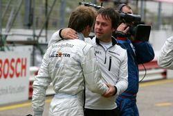 Gerhard Ungar félicite Jamie Green pour sa pole position