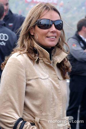 Red Bull demo: Madelon Doornbos, sister of Robert Doornbos watching the action on the big screens