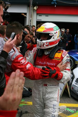 Tom Kristensen congratulated by his team