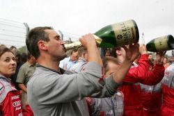 Audi mechanics celebrate