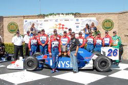 Victory Lane: Marco et Michael Andretti avec la team #27 et Kim Green