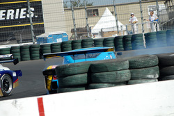 Bill Auberlen en tête à queue sur la BMW BMW Riley #30 Sigalsport