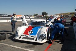 Arrêt aux stands pour la Porsche Riley #59 Brumos Racing : Hurley Haywood, JC France