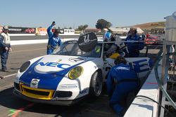 Arrêt aux stands pour la Porsche GT3 Cup #72 Tafel Racing : Wolf Henzler, Robin Liddell