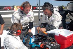 Réparation de batterie pour la Lexus Riley #6 Playboy Racing/Mears