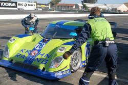 Arrêt aux stands pour la Ford Riley #76 Krohn Racing : Jorg Bergmeister, Nic Jonsson