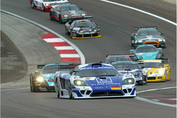 Départ : Saleen S7R #9 Zakspeed Racing: Jarek Janis, Sascha Bert mène le peloton