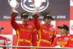 Podium GT2 : vainqueurs de classe Matteo Bobbi et Jaime Melo