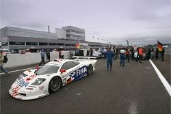 Célébration de la 100e course de FIA-GT : une McLaren F1 GTR