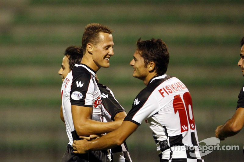 National pilotu s charity football match, Stadio Brianteo Stadio Brianteo: Michael Schumacher ve Gia
