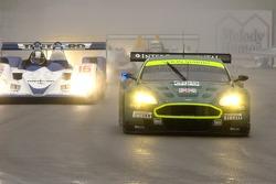 #009 Aston Martin Racing Aston Martin DB9: Pedro Lamy, Stephane Sarrazin;#16 Dyson Racing Team Lola B06/10 AER: James Weaver, Butch Leitzinger