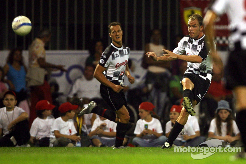 National pilotu s charity football match, Stadio Brianteo Stadio Brianteo: Michael Schumacher ve Rob