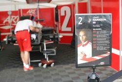La voiture de Lewis Hamilton en préparation
