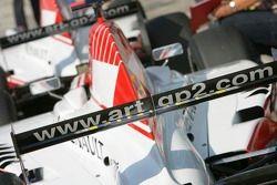 Les voitures ART Grand Prix au parc fermé
