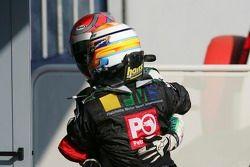 Giorgio Pantano fête sa victoire avec Nelson A. Piquet