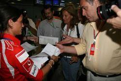 Comunicado de prensa anunciando el retiro de Michael Schumacher