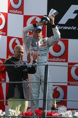 Podio: segudno lugar Kimi Raikkonen