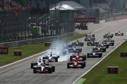 Départ : Kimi Raikkonen prend la tête