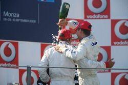 Podium: Lewis Hamilton et Clivio Piccione