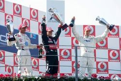 Podium: race winner Giorgio Pantano with Lewis Hamilton and Clivio Piccione