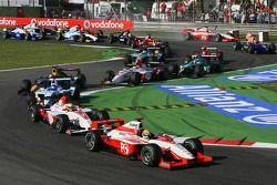 Départ : Giorgio Pantano mène le peloton