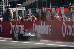 Lewis Hamilton takes second place