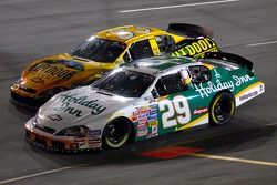 Jeff Burton devant Ron Hornaday