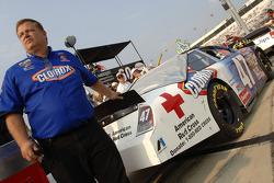 Jerry Pitts, crew chief de la Ford Fusion Clorox de Jon Wood