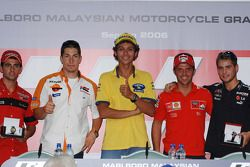 Press conference: pole winner Valentino Rossi with Nicky Hayden, Loris Capirossi, 250cc pole winner