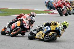 Valentino Rossi devant Dani Pedrosa