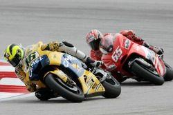Valentino Rossi, Yamaha; Loris Capirossi, Ducati