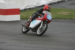 Ducati 350 Desmodromic: Ian Griffiths