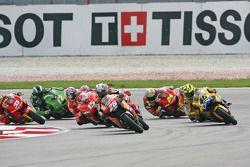 Départ Dani Pedrosa et Valentino Rossi en lutte pour la première place